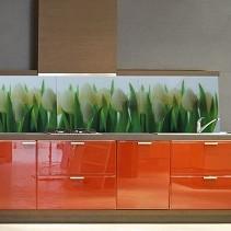 wiosna w kuchni- panel ze szkła