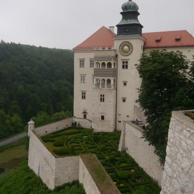 i piękny zamek na Pieskowej Skale