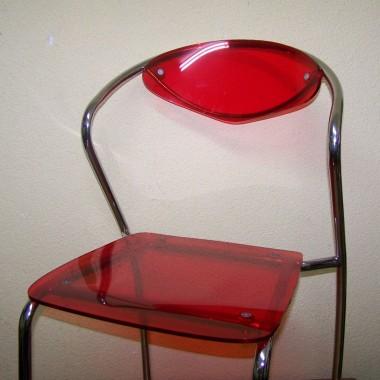 bardzo podobają mi sie transparentne meble, krzesełka wygodne i solidnie wykonane. szkoda, że nie czwórka ale nie można chyba mieć wszystkiego
