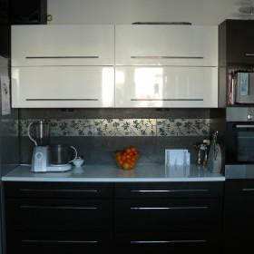 Kuchnia, sypialnia i przedpokoj