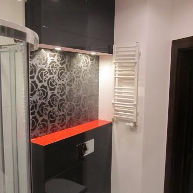 łazienka Biało Czarno Czerwona Deccoriapl