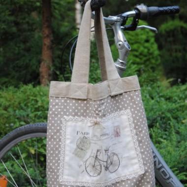 Ja jadę na rower ...z piękną torbą od Jotki:))....a Was pozdrawiam serdecznie i dziękuję za odwiedziny:)