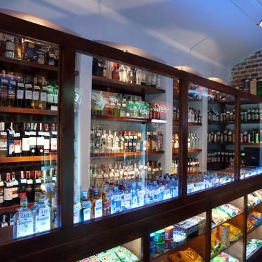 Wnętrze sklepu alkoholowego