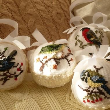 ..............i moje nowe haftowane ptaszki..........