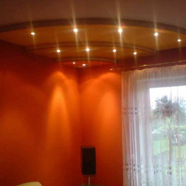 sufit światło